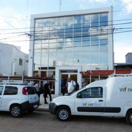 Nos visita el presidente de ARSAT, Dr. Rodrigo de Loredo, para ver nuestra empresa en funcionamiento